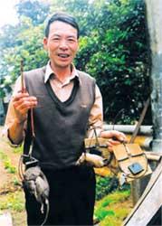 Ong Tran Quang Thieu voi chien loi pham tu cong nghe bay chuot khong can moi